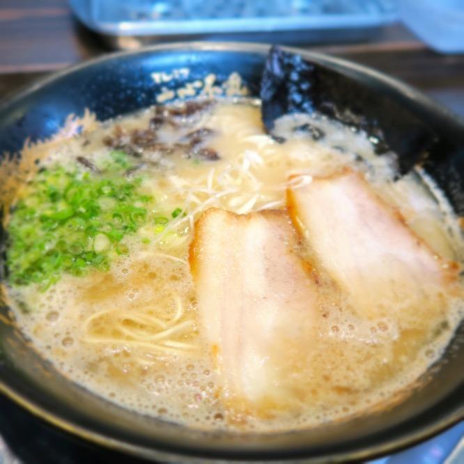 超こってり4種(黒,白,赤,金)のスープとんこつラーメン!一心不乱が好き@福岡市中央区大名